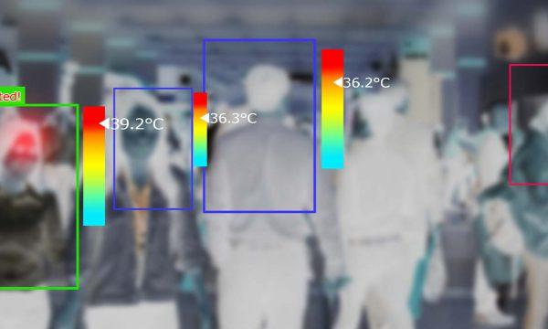 Thermal imaging camera detecting temperature of a crowd